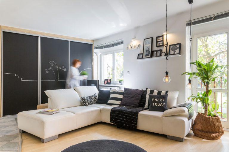 Black & white: Nadčasovo zariadený byt