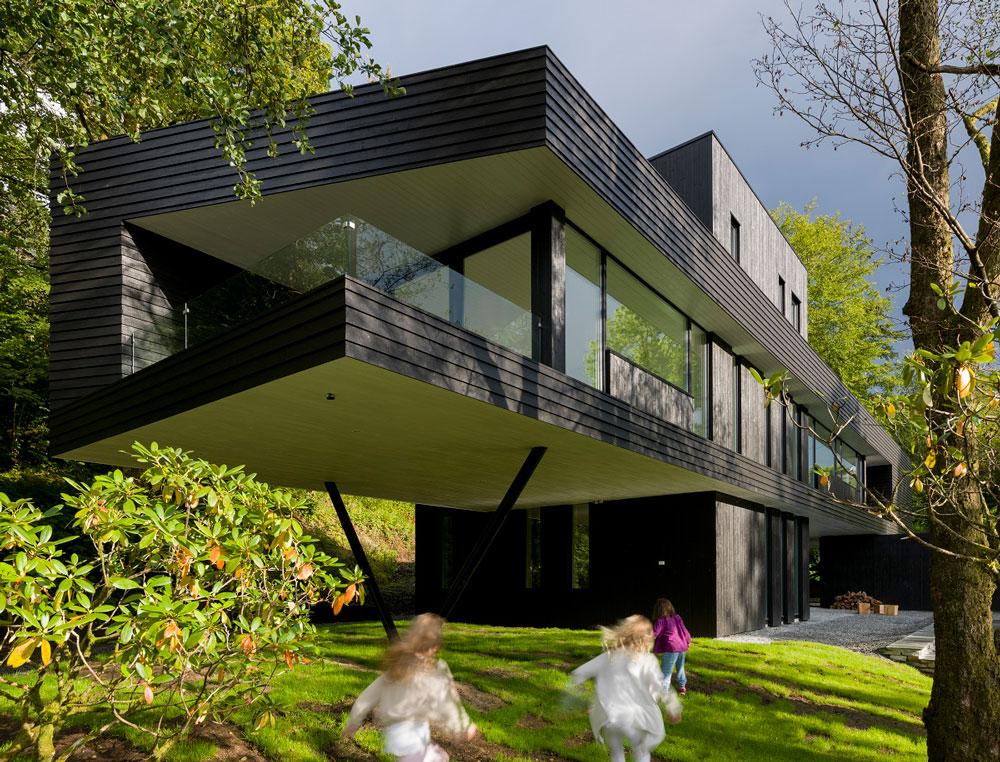Villa so skvelou ukážkou súčasnej škandinávskej architektúry