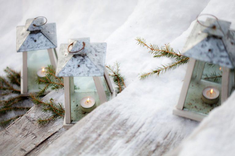 Tipy na vianočné dekorácie do záhrady