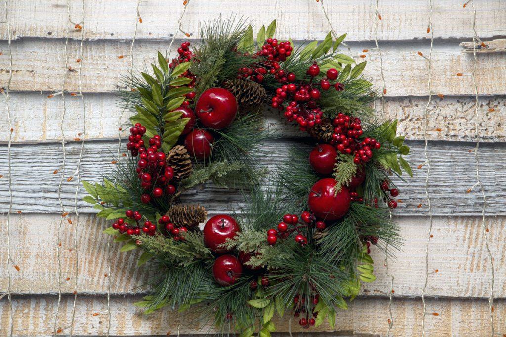 Vianočný veniec na netradičnom mieste