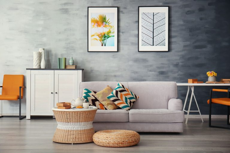 Oživte byt farebnými dekoráciami: Ako na to?