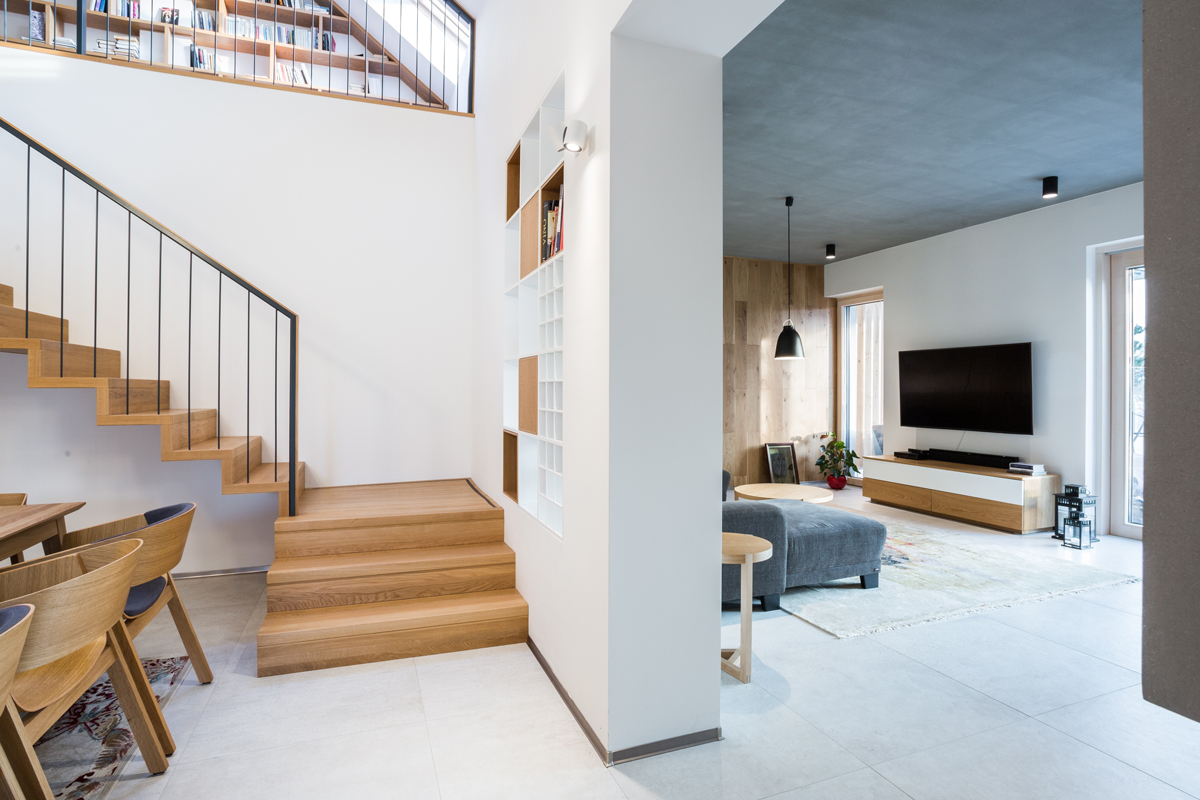 betónový strop v obývacej izbe