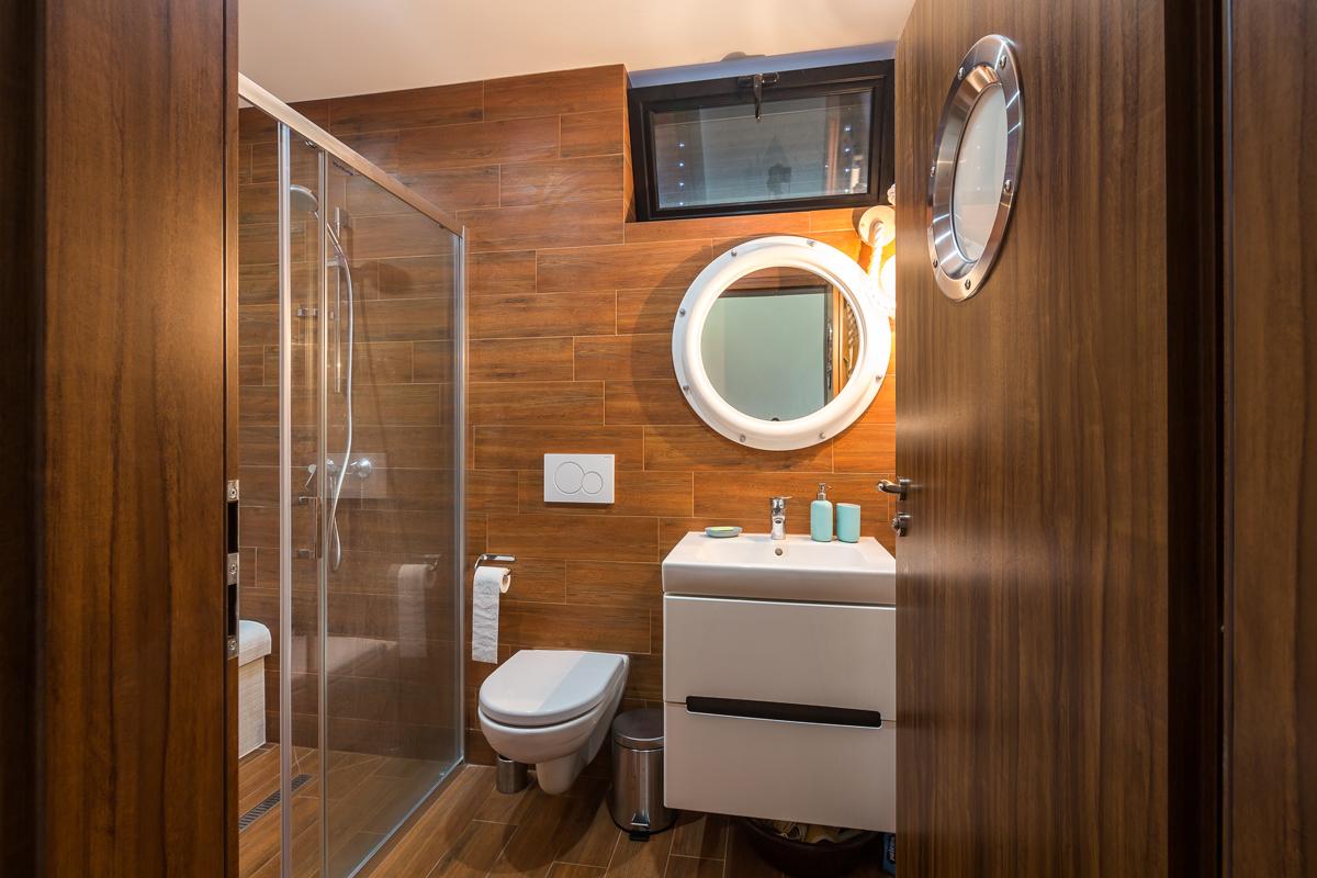 Kúpeľňa v námorníckom duchu.