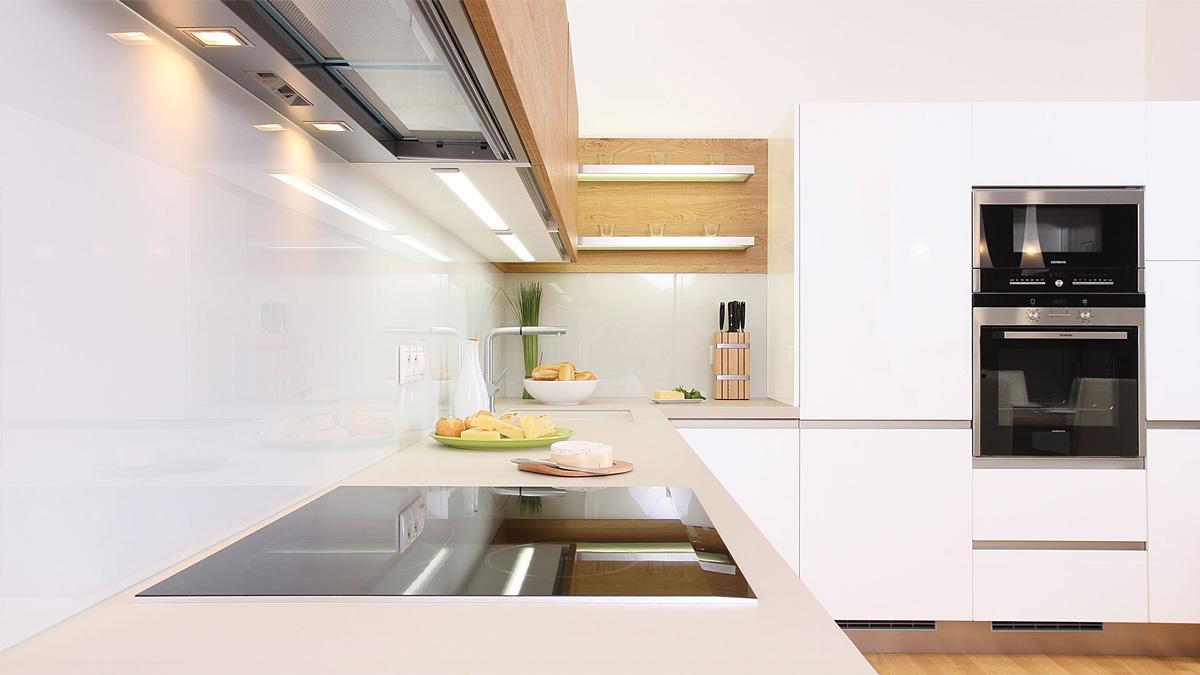 obklad zo skla do kuchyne