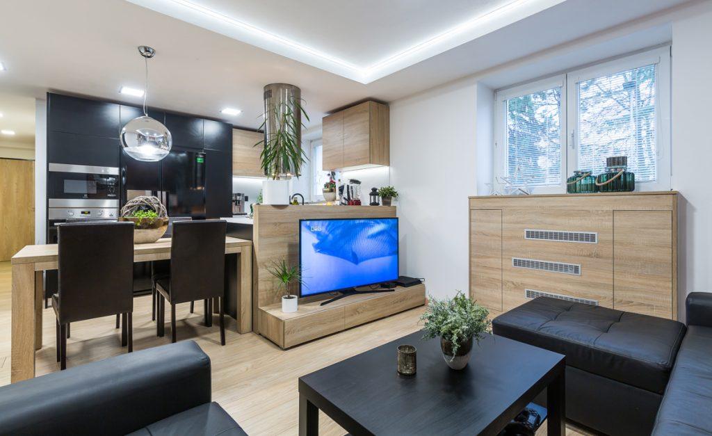 Rekonštrukcia trojizbového bytu: Nadčasové zariadenie bytu s maximálnym využitím priestoru