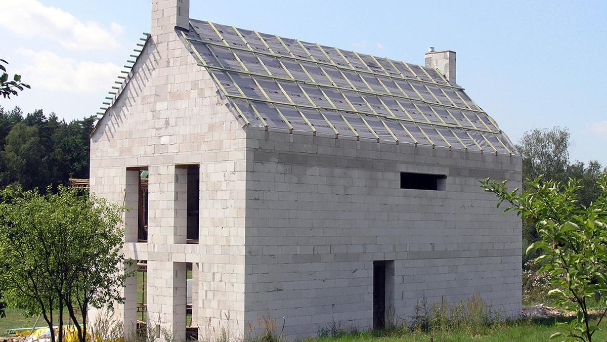 Stavba domu z pórobetónu