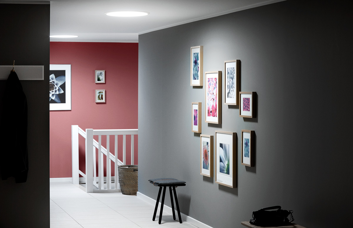 Svetlý interiér bez veľkých okien