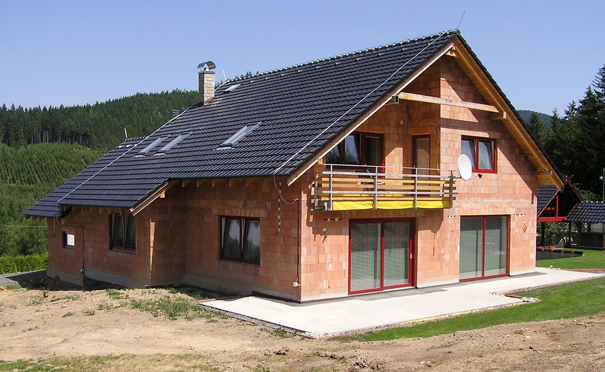 nový rodinný dom z keramickej tvárnice