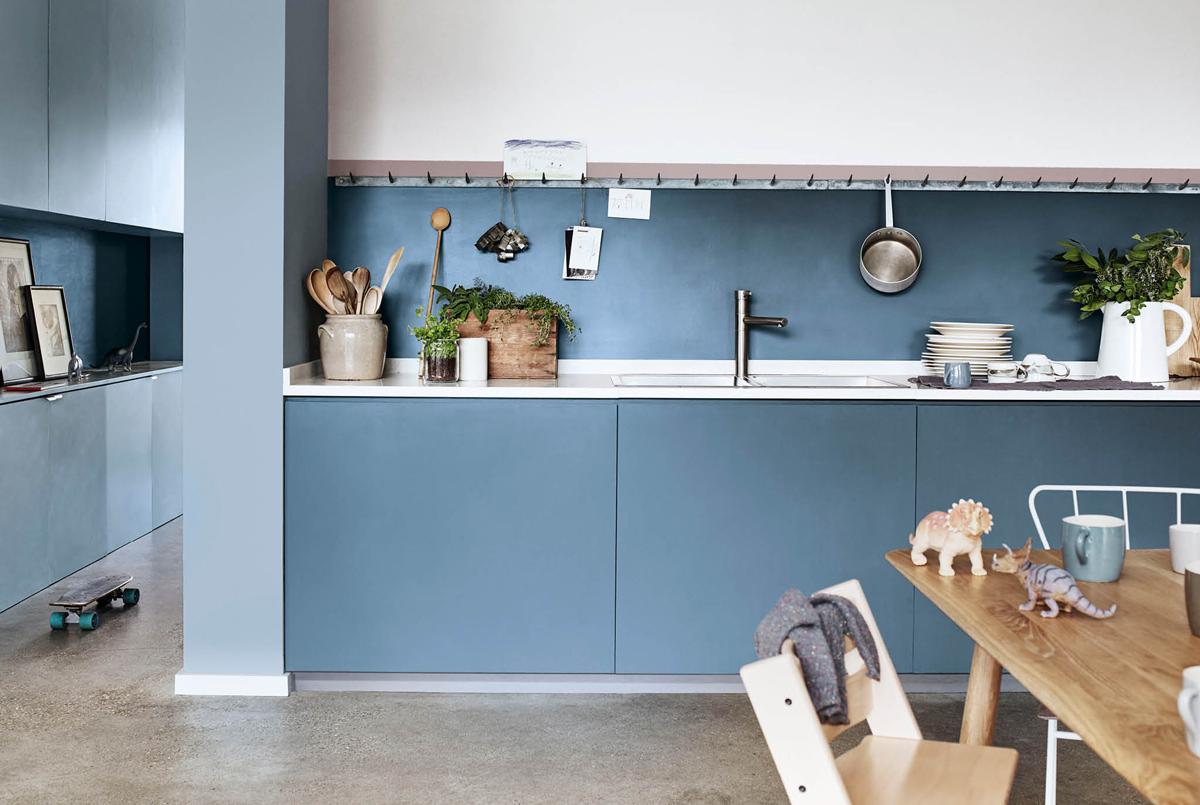 Modrá kuchynská linka