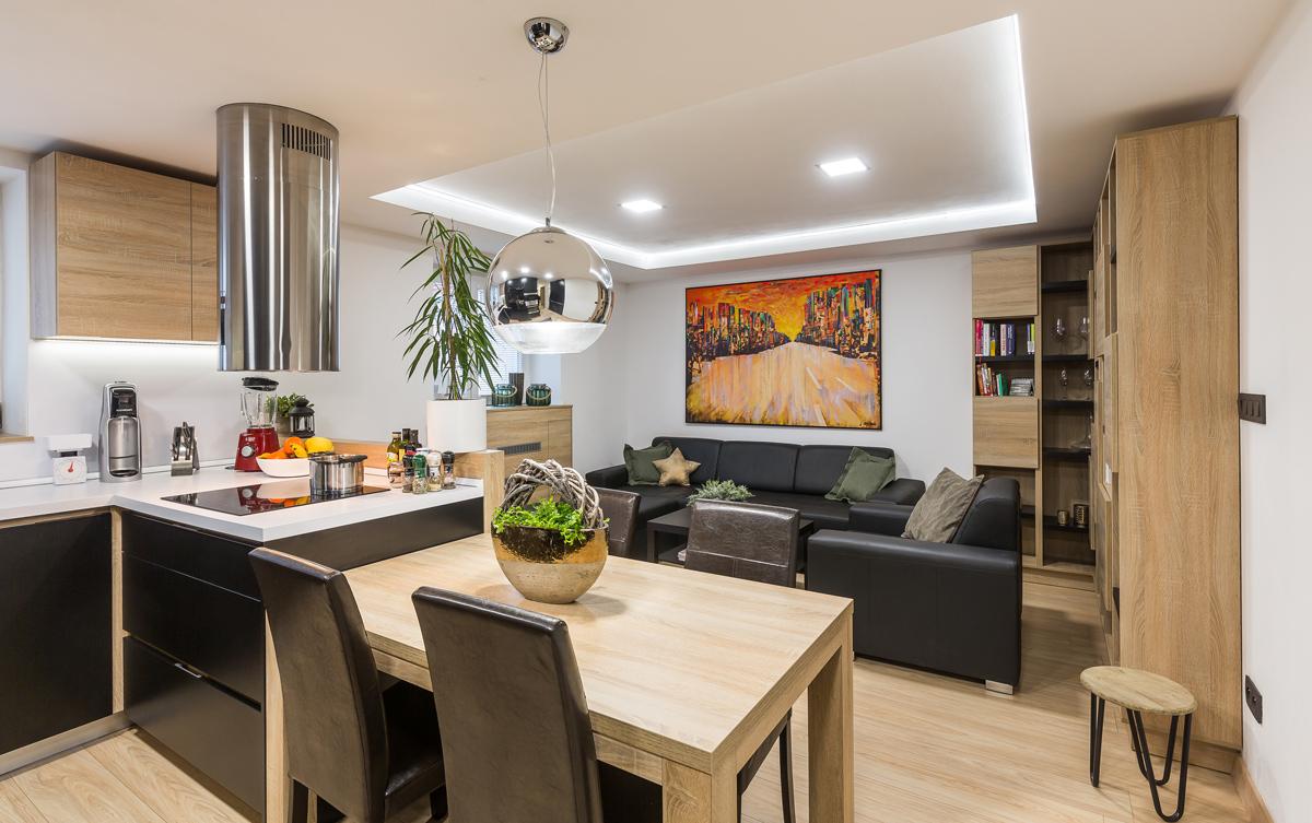Spojená obývačka s kuchyňou