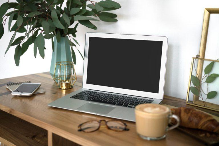 Home office: Ako zariadiť pracovný kútik
