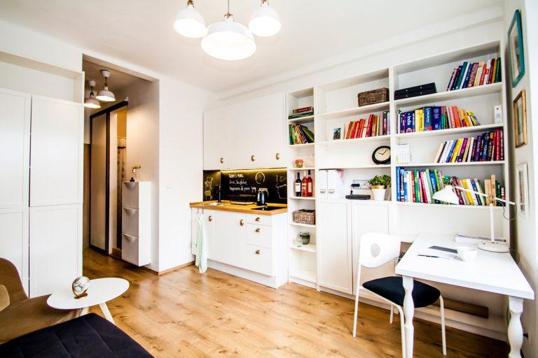 Malý bratislavský byt s rozlohou 16 m² si navrhla bez pomoci dizajnérov