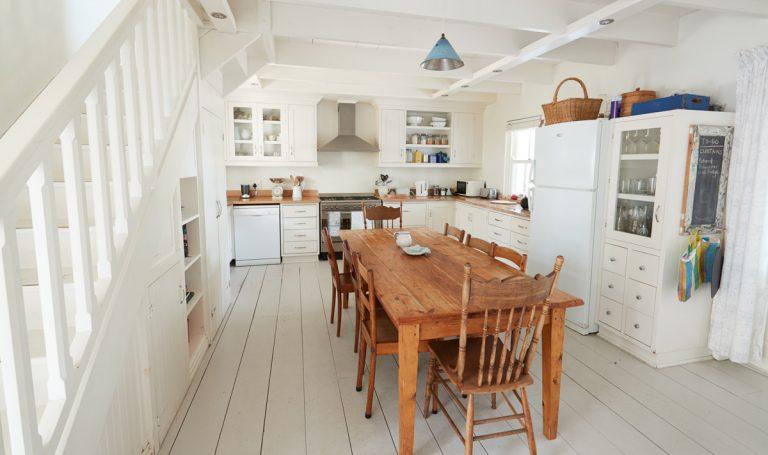 Ako zariadiť vidiecky víkendový dom?