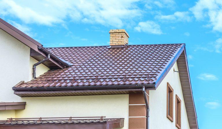 Šikmú či plochú strechu?