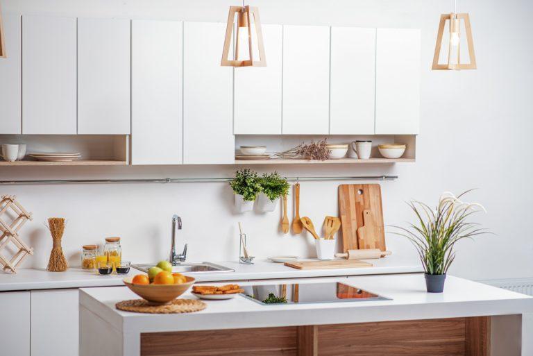 Aj malá kuchyňa môže byť prakticky usporiadaná