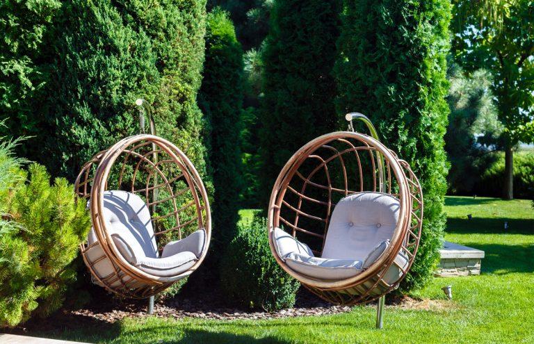 Pohoda v záhrade: Hojdačky pre všetky vekové kategórie
