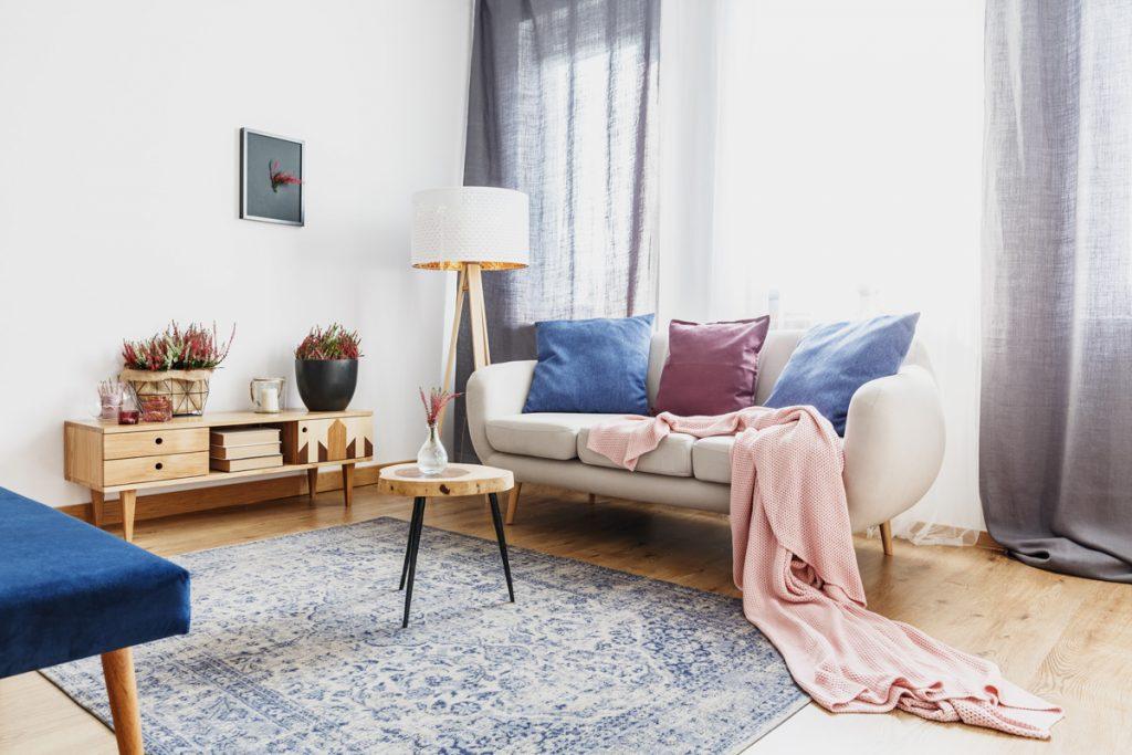 34 tipov, ako rýchlo a nenáročne zmeniť starú obývačku na novú