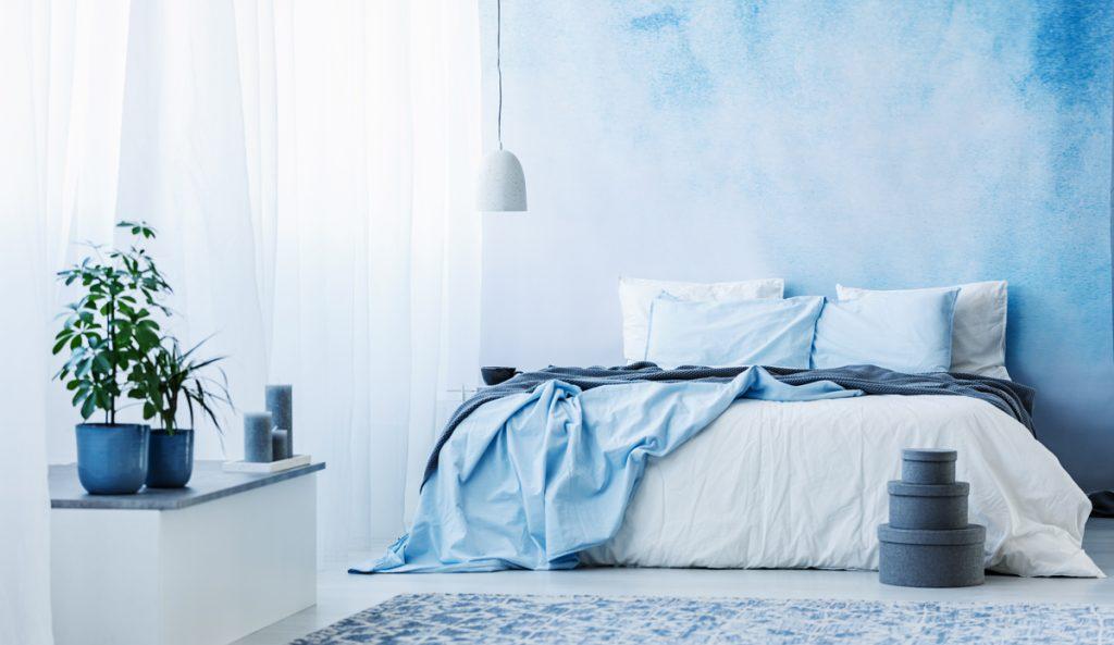 modrá v interiéri