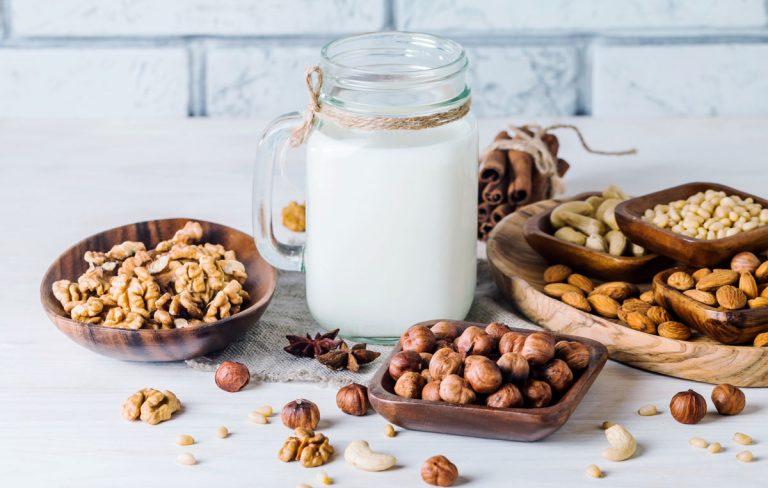 Máte chuť na niečo naše a pritom netradičné? 20 originálnych receptov z orechov (1. časť)