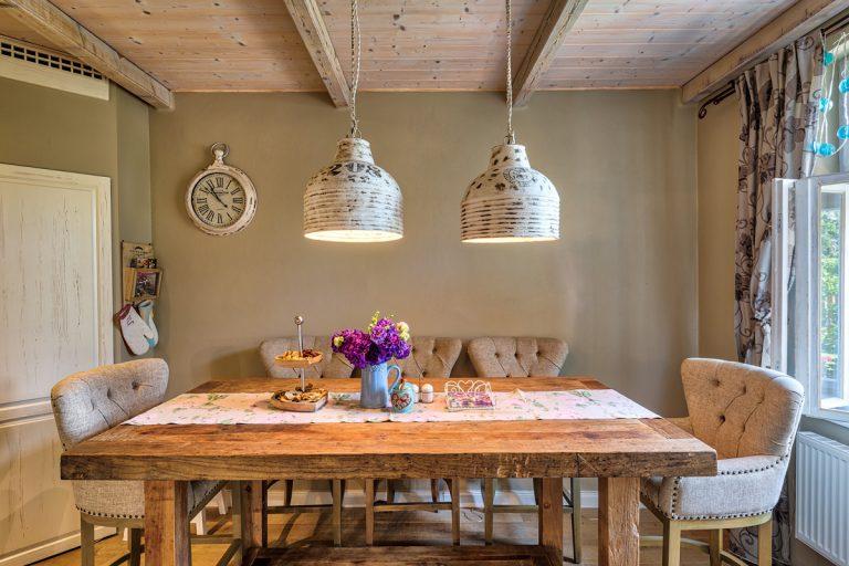 Romantické bývanie ako z rozprávky: Na návšteve u nápaditej kvetinárky v prerobenom dome po starej mame