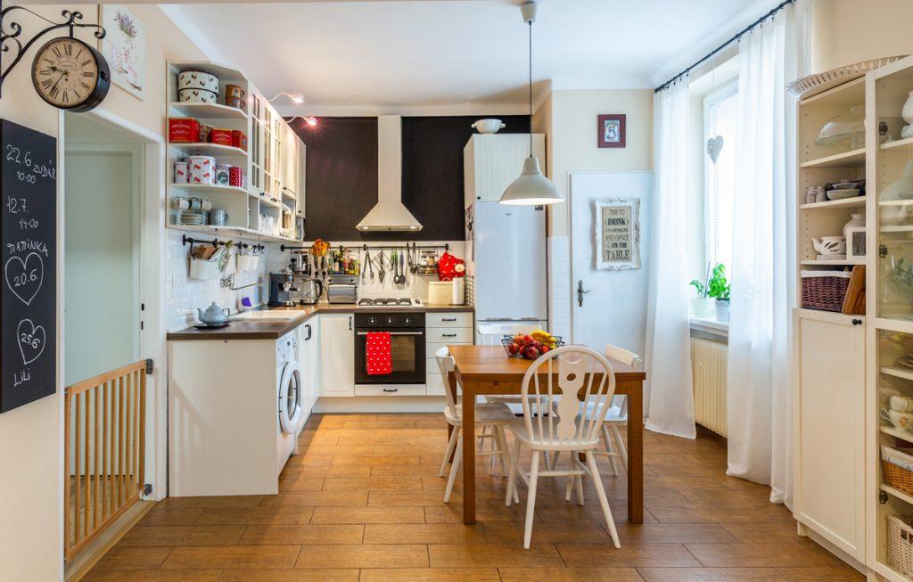 Kuchyňa vo vidieckom štýle.