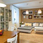 Obývačka spojená s kuchyňou.
