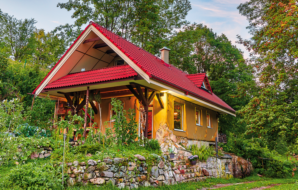 Dom zprírodných materiálov a božským výhľadom do doliny
