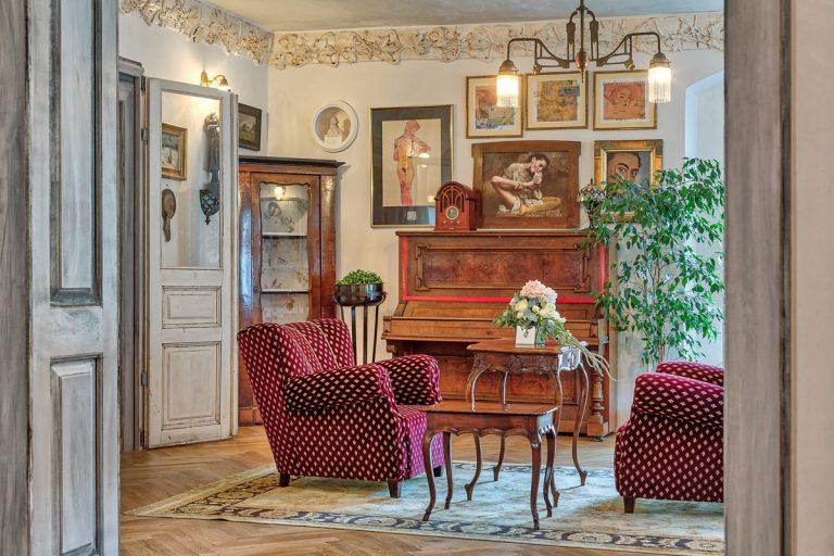 Už ste navštívili zážitkový hotel Divná Pani Luxury Gallery Rooms v Banskej Štiavnici?