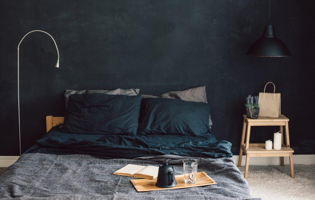 tmavé farby v interiéri