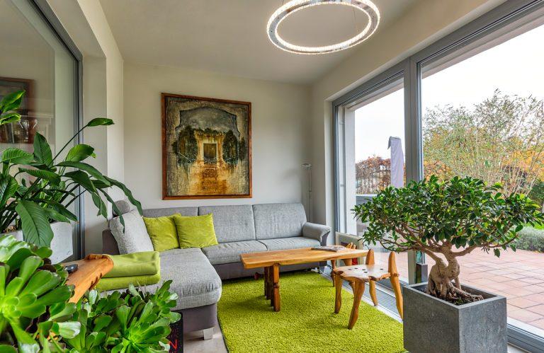 Manželia si dom navrhli sami. Ako sa popasovali s interiérom?