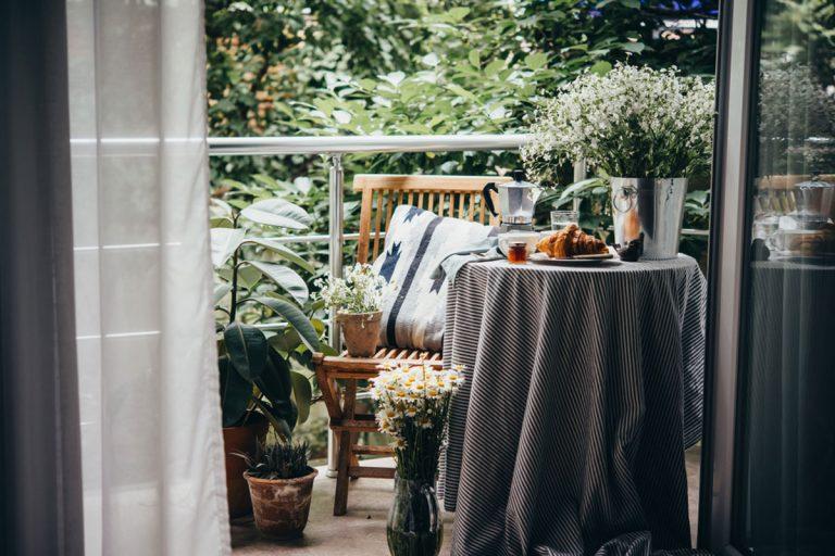 Malý balkón vo veľkom štýle