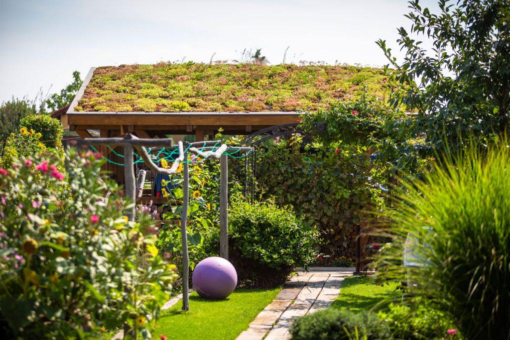 prístrešok s vegetačnou strechou