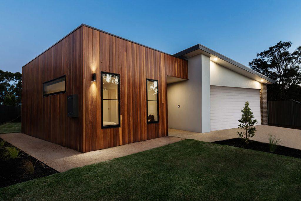 rodinný dom s plochou a pultovou strechou