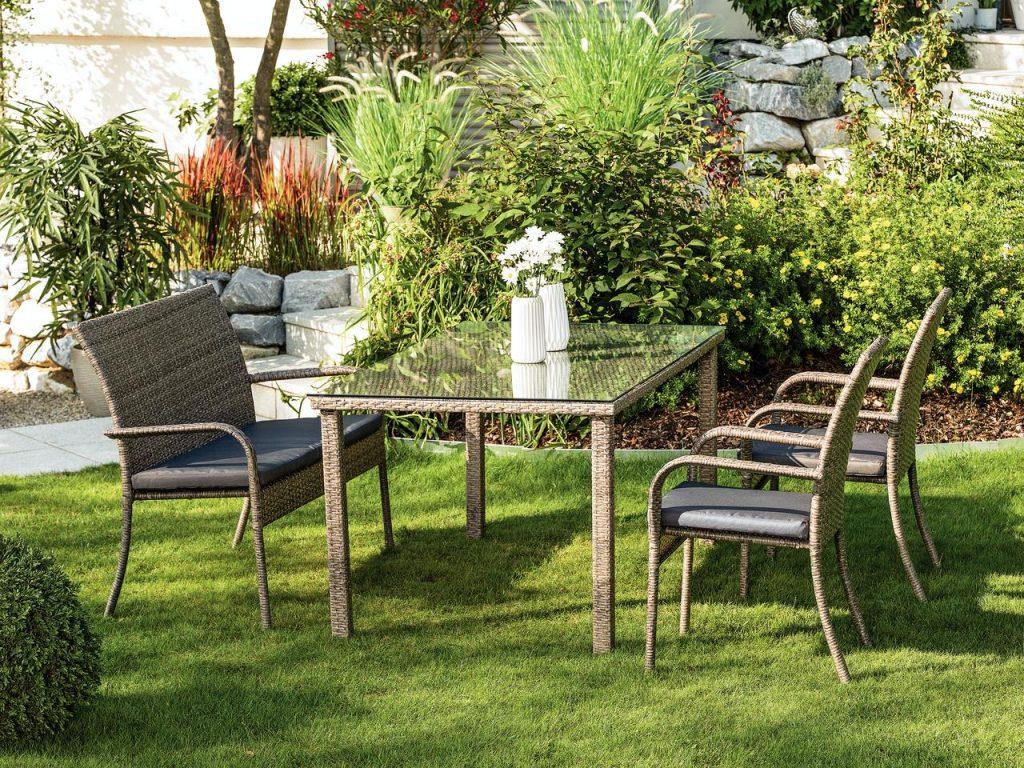 záhradné sedenie