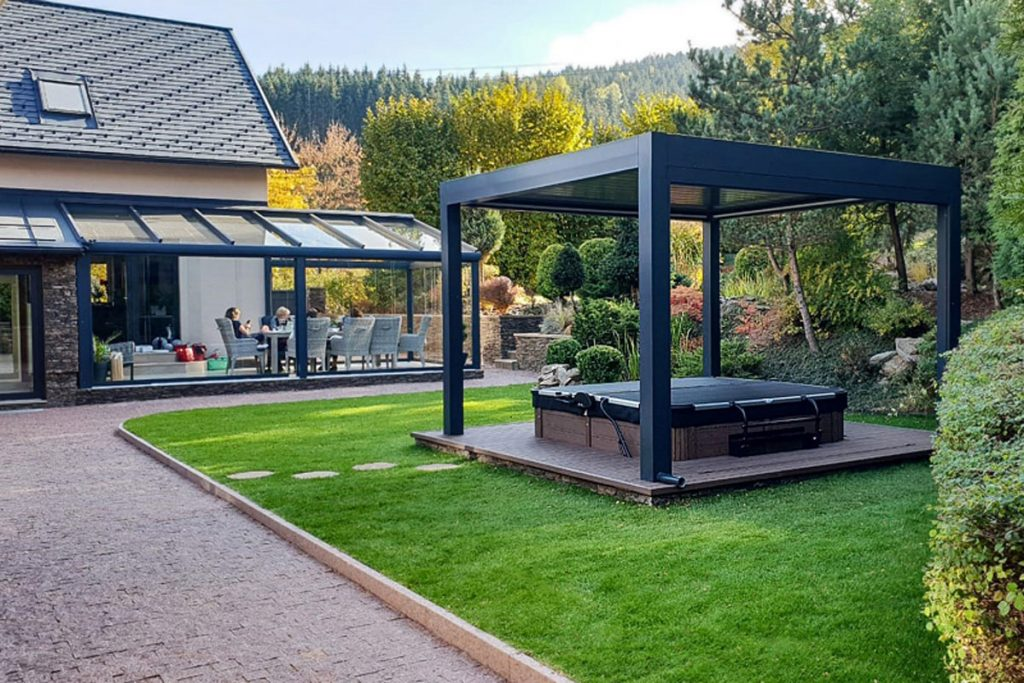 vírivka SPA Studio na záhrade