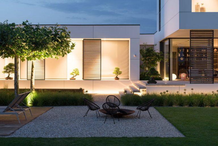 Záhrada s dvoma tvárami: Prísny minimalizmus aj uvoľnená príroda