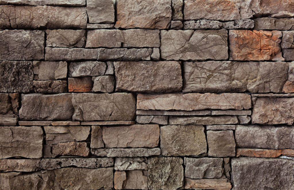 hnedý zrubový kamenný obklad