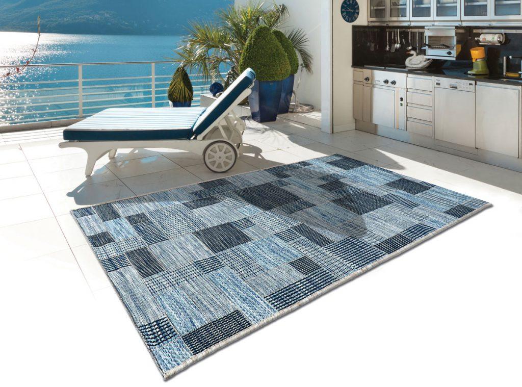 kusový koberec s geometrickým vzorom
