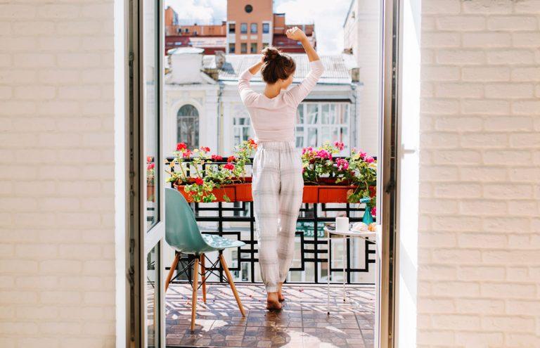 8 tipov, s ktorými balkón či lodžiu pretvoríte na dokonalú oddychovú zónu