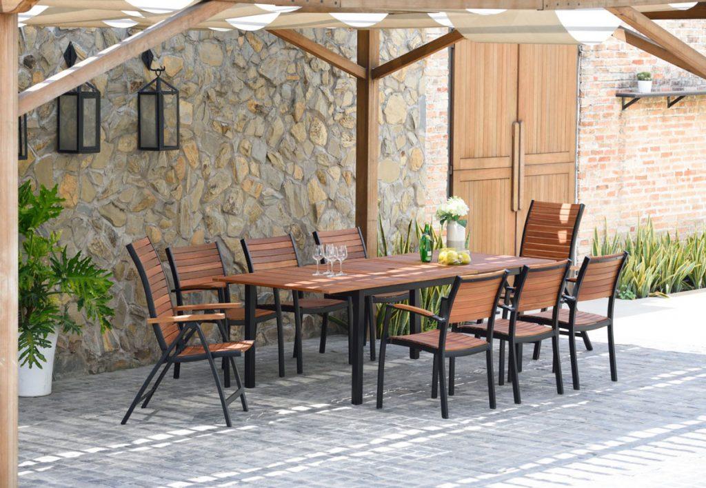 záhradný nábytok z radu Flamingo s konštrukciou zo zliatiny hliníka