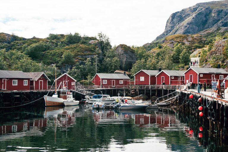 drevené rybárske domčeky v Nórsku