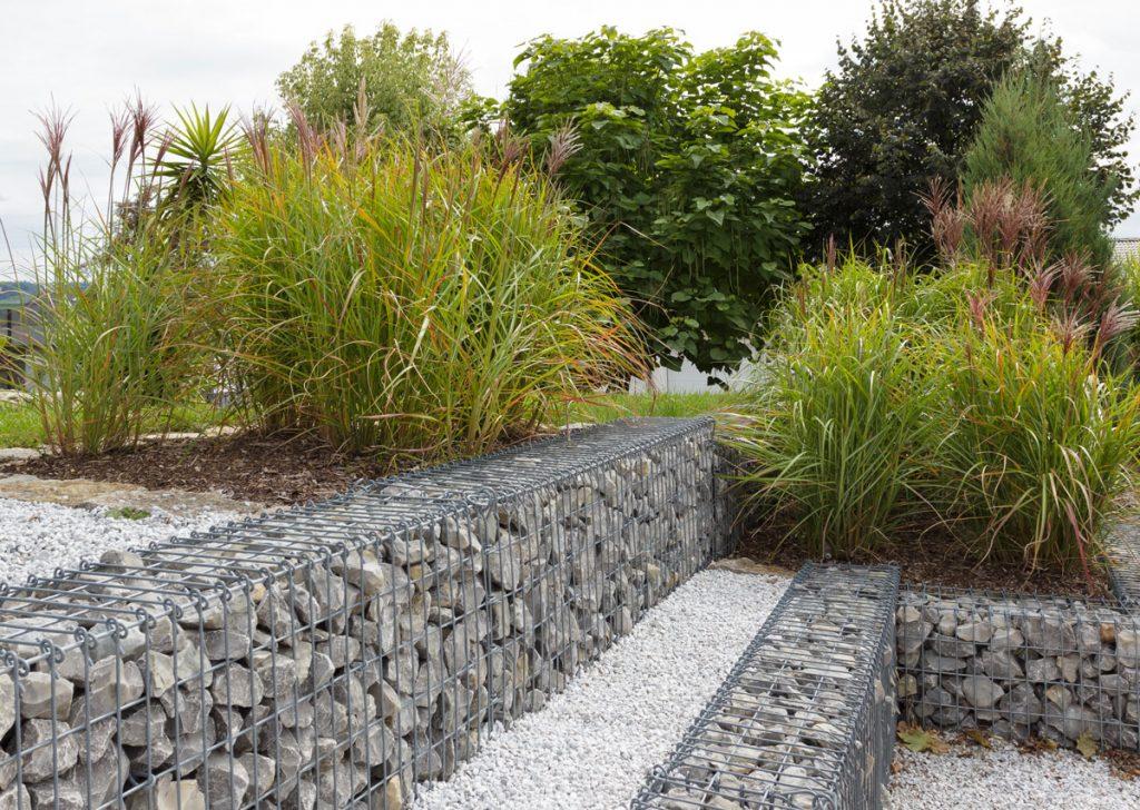 Gabiony oceníte v záhrade nielen pre ich dizajn, ale aj praktickosť