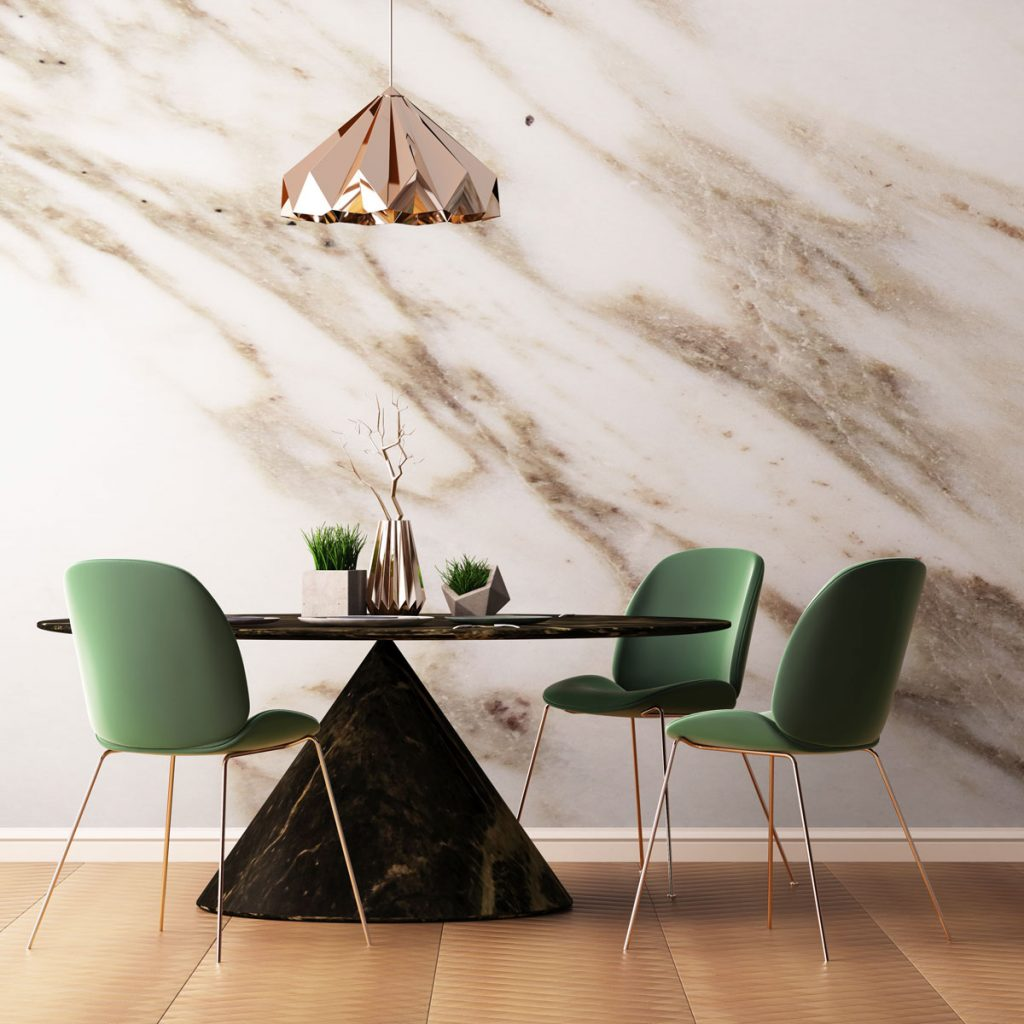 mramorová stena v jedálni