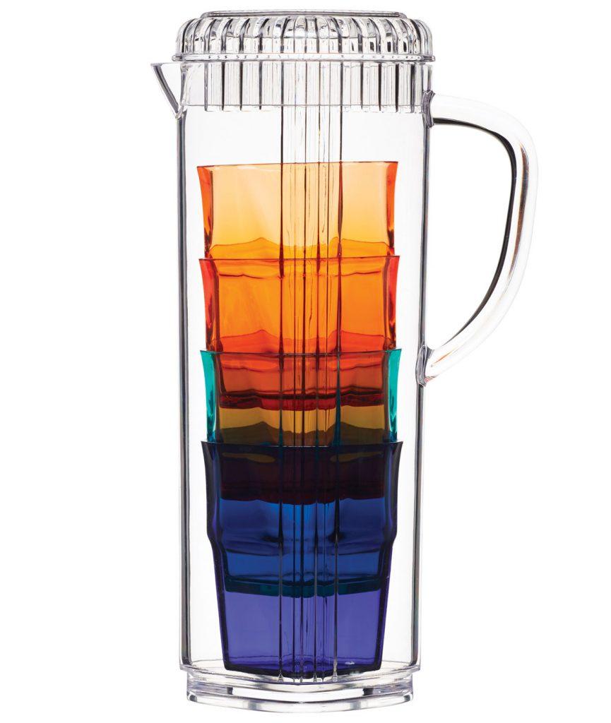farebná súprava džbánu s pohármi, ktoré sa dajú vložiť do vnútra džbánu