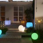 Solárne osvetlenie do záhrady s ďalšou praktickou funkciou