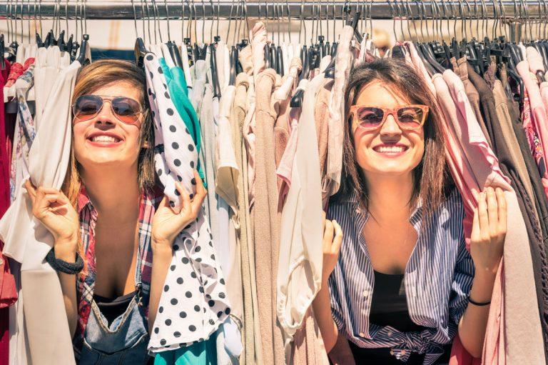 Úsporná domácnosť: Myslite ekologicky pri kúpe oblečenia a potravín