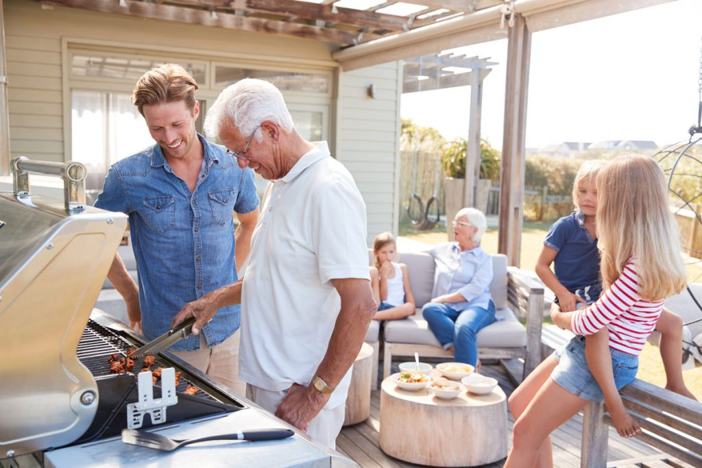 Načo variť v dome, keď si môžete kuchyňu postaviť vonku? Poradíme ako na to