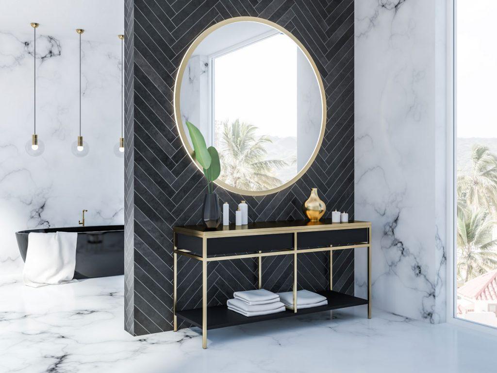 kúpeľňa s tmavosivým keramickým obkladom do V