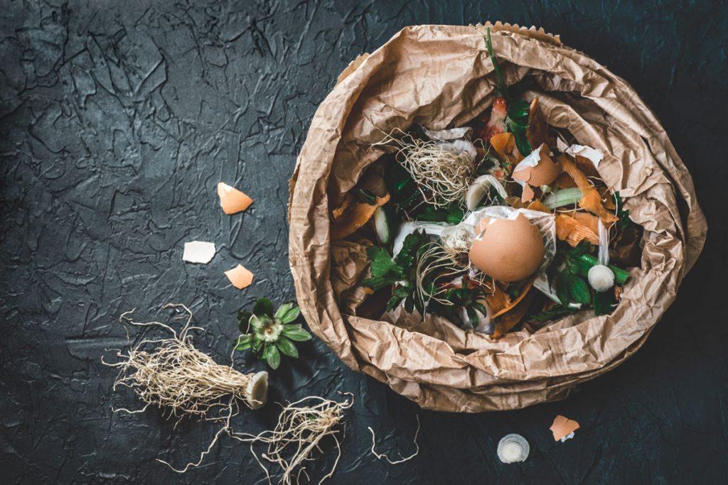 organické zvyšky jedla pripravené na kompostovanie