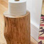 impregnovaný peň ako držiak na toaletný papier